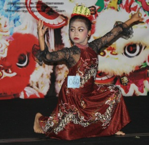 Jaipong kid dancer in action